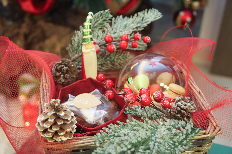 Christmas Basket w deco