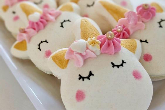 CEB Unicorn Macarons 4