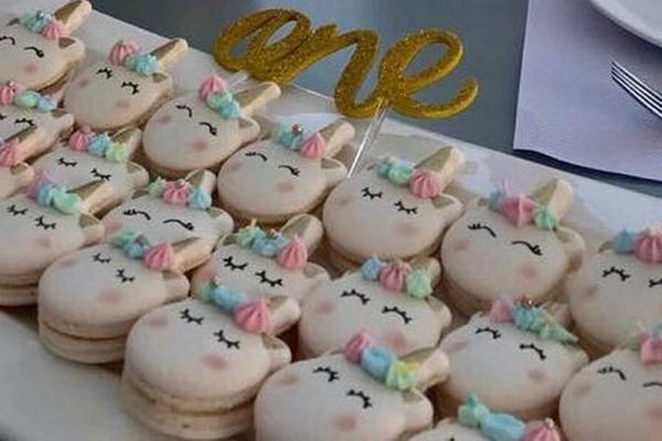 CEB unicorn macarons 5