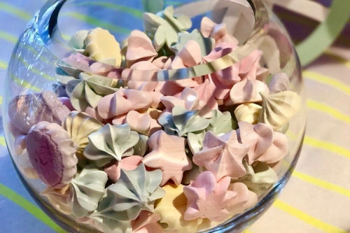 CEB Meringues Kisses bowl