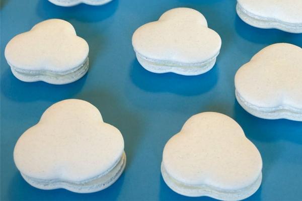 CEB Cloud macarons white