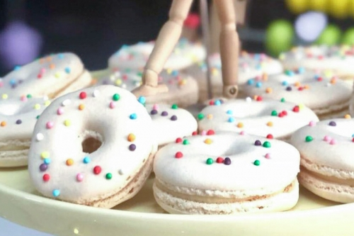 CEB donuts shaped macarons